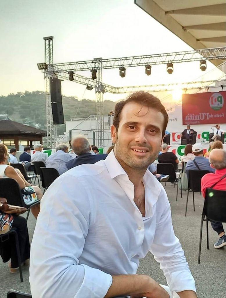 Andrea Saggiomo, presidente 9 municipalità, manfredi riferimento